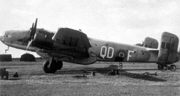 RAF azure blue for Halifax C MK.VII and Warwick transporter Handley-page-halifax_src_2