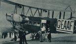 Samolot Handley Page 0/400 (G-EAAF), przy pomocy którego Narodowe Towarzystwo Żeglugi Powietrznej w Polsce planowa¬ło uruchomić komunikację lotniczą. (Źródło: archiwum).