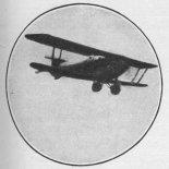 """Samolot CWL """"Słowik"""" na chwilę przed katastrofą. (Źródło: Praca zbiorowa """"Ku czci poległych lotników. Księga pamiątkowa"""". Warszawa 1933)."""