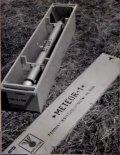"""Rakieta w skrzyni transportowej. (Źródło: """"Opis i Instrukcja Eksploatacji Rakiety Meteorologicznej Meteor-1"""". Instytut Lotnictwa. Warszawa 1965)."""