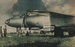 Ił-28 podczas przeglądu. (Skrzydlata Polska nr 30/1957).