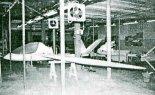 Hala produkcyjna J & AS Aero Design. (Źródło: Przegląd Lotniczy Aviation Revue nr 1/1994).