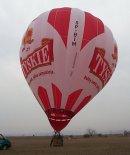 """Balon Kubíček BB-30N """"Tyskie"""" (SP-BIM). (Źródło: Copyright Ladislav Zápařka - """"LZ- przedstawiciel  czeskiego przemysłu lotniczego w Polsce"""")."""
