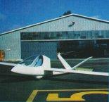 J-6 oblatany w 1994 r. jako szybowiec. (Źródło: Przegląd Lotniczy Aviation Revue nr 1/1995).