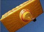 """Balon kształtowy """"DHL"""". (Źródło: Ladislav Zápařka """"LZ- przedstawiciel czeskiego przemysłu lotniczego w Polsce"""")."""