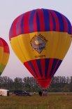 """Balon na ogrzane powietrze Tomi AX-7 (SP-BWC) o nazwie """"Konin"""". (Źródło: Copyright Jerzy Borowski- """"Baloniarstwo"""")."""