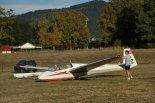 Szybowiec Schleicher ASK 13 należący do Geelong Gliding Club w Australii. Na szybowcu tym wykonywał loty Jarek Mosiejewski. (Źródło: Copyright Jarek Mosiejewski).