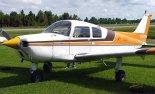 """Samolot w wersji Beechcraft B19 """"Musketeer Sport"""". (Źródło: Ahunt via Wikimedia Commons)."""