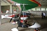 Motolotnia Leszka Solewskiego w w hangarze Aeroklubu Słupskiego, 2014 r. (Źródło: via edu.slupsk.pl).