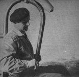 Miejsce pilota ze sterownicą wirnika. (Źródło: Skrzydlata Polska nr 21/1957).