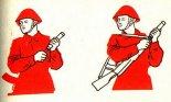 Instrukcja strzału z ręcznej wyrzutni rakiet oświetlających HZL. (Źródło: archiwum).