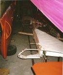 """Uszkodzone skrzydło szybowca """"Czapla"""" (""""z Krosna""""). Zamontowane później na szybowcu """"Czapla"""" znajdujacym się w Muzeum Fort-Rogowo. (Źródło: Copyright Paweł Kotasiński)."""