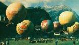 """Balon """"Polonez"""" (SP-BZO) podczas 34 Międzynarodowych Zawodów Balonowych o nagrodę im Jamesa Gordona Bennetta w Lechu (Austria). (Źródło: Skrzydlata Polska nr 42/1990)."""