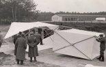 Czołowy latawiec bazowy przeciwlotniczego zestawu latawcowego inż. Michała Bohatyrewa, zdobyty przez wojska niemieckie we wrześniu 1939 r.  (Źródło: via Konrad Zienkiewicz).