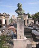 """Popiersie z pomnika nagrobnego w Neuilly-sur-Seine. (Źródło: Januszewski S. """"Wynalazki lotnicze Polaków 1836- 1918"""")."""
