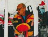 Tomasz Królikowski na IV Stalowowolskim Zlocie Amatorskich Konstrukcji Lotniczych (7-9.08.1998 r.). (Źródło: Przegląd Lotniczy Aviation Revue nr 10/1998).