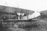 Samolot wojskowy Schwade Militar Doppeldecker w widoku z przodu. (Źródło: archiwum).