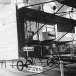 Samolot PTA nr 1 eksponowany na Wystawie Lotniczej w Petersburgu, 1911 r. (Źródło: archiwum).