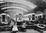 Hala produkcyjna wagonów kolejowych w Fabryce Lilpop, Rau i Loewenstein w Warszawie. (Źródło: archiwum).