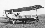 Samolot rozpoznawczy LVG B-I na lotnisku polowym. (Źródło: archiwum).