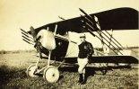 Samolot myśliwski Nieuport 11C1 uzbrojony w rakiety Le Prieur. (Źródło: archiwum).