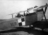 Samolot Oeffag C-II nr 52.11 w barwach lotnictwa polskiego. (Źródło: Aeroplan nr 2/1994).