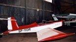 """Samolot RO-7 """"Orlik Experimental"""" w hangarze. (Źródło: Piotr Biskupski via www.piotrp.de)."""