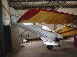 """Samolot """"Kukułka"""" przechowywany w hangarze. (Źródło: Piotr Piechowski via www.piotrp.de)."""