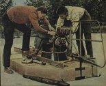 Wstępna wersja poduszkowca SMT z pojedynczym sterem kierunkowym. (Źródło: Skrzydlata Polska nr 16/1964).