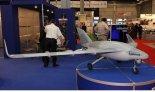 """Bezpilotowy aparat latający PW-141 """"Samonit"""" prezentowany na MSPiO 2011 r. (Źródło: Copyright Tomasz Hens)."""