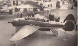 """Samolot PZL-46 """"Sum"""" prezentowany na XVI Międzynarodowym Salonie Lotniczym w Paryżu. (Źródło: ze zbiorów CardPlane)."""