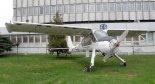 """Samolot PZL-104 """"Wilga 40"""" stojący przed EADS PZL Warszawa-Okęcie. (Źródło: Hiuppo via www.commons.wikimedia.org)."""