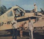 """Samolot PZL-106A """"Kruk"""" (SP-WUL) używany do zabiegów agrolotniczych w Afryce. (Źródło: Skrzydlata Polska nr 20/1978)."""