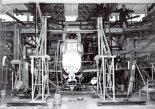 """Próby statyczne prototypu samolotu rolniczego PZL M15 """"Belfegor"""" prowadzone w 1974 r. w Instytucie Lotnictwa przez doc. inż. Tadeusza Chylińskiego. (Źródło: ze zbiorów Rafała Chylińskiego)."""