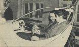W makiecie kabiny siedzą: na pierwszym planie Zbigniew Paturski dalej Włodzimierz Urbaniak, jeszcze jako studenci. (Źródło: Młody Technik nr 8/1972. Ze zbiorów Jarosława Rumszewicza).