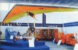 Motolotnia PZL ML-1 na Międzynarodowych Targach Poznańskich w czerwcu 1991 r. w stoisku Pezetel. (Źródło: Wacław Hołyś  via Skrzydlata Polska nr 11-12/1991).