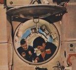 Mirosław Hermaszewski oraz Piotr Klimuk w symulatorze stacji kosmicznej Salut-6. (Źródło: Skrzydlata Polska nr 28/1978).