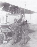 """Zdobyczny samolot Phoenix (Albatros B-I) na lotnisku w Krakowie. (Źródło: Morgała A. """"Samoloty wojskowe w Polsce 1918-1924"""")."""