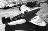 """Samolot myśliwski Supermarine """"Seafire"""" Mk.IIC na pokładzie lotniskowca. (Źródło: archiwum)."""