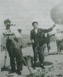 Wypuszczanie balonu- sondy meteorologicznej na szybowisku w Bezmiechowej. (Źródło: Przegląd Lotniczy Aviation Revue nr 8/1997).