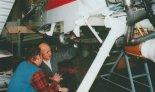 """Kadłub samolotu GM-1 """"Gniady"""" przed montażem końcowym, firma Yalo, Warszawa, marzec 1995 r. (Źródło: Przegląd Lotniczy Aviation Revue nr 12/1997)."""