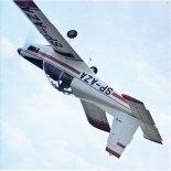 Samolot sportowy i treningowy Zlin Z-142 w locie. (Źródło: Letectvi + Kosmonautika).