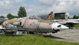 """Samolot Republic F-105D-GRE """"Thunderchief"""" w zbiorach Muzeum Lotnictwa Polskiego w Krakowie. (Źródło: Copyright Zbigniew Jóźwik- """"Samoloty, śmigłowce, szybowce- fotografia lotnicza"""")."""