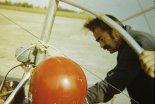 Jan Kmin w czasie przygotowań przedstartowych. (Źródło: archiwum Zbigniew Kmin).