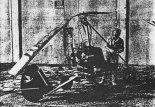 Pierwszy wiatrakowiec Mariana Górniaka. Demontaż wiatrakowca po uszkodzeniu w czasie prób w 1993 r. (Źródło: archiwum Marian Górniak).