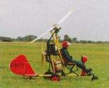 """Wiatrakowiec Averso Aviation AX-02 """"Guepard"""" prezentowany podczas VII Stalowowolskiego Zlotu Amatorskich Konstrukcji w Turbii 2001 r. (Źródło: Przegląd Lotniczy Aviation Revue nr 10/2001)."""