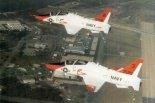 """Szkolno- bojowe samoloty McDonnell Douglas T-45A """"Goshawk """" marynarki amerykańskiej. (Źródło: Lotnictwo Aviation International nr 6/1991)."""