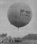 """Balon """"Katowice"""" (SP-BZD) podczas startu. (Źródło: Skrzydlata Polska nr 41/1964)."""