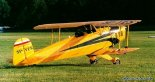 """Samolot szkolny Bücker T-131 """"Jungmann"""" (SP-YES) zbudowany w firmie Serwis Samolotów Historycznych J&J Karasiewicz. (Źródło: Copyright Paweł Bondaryk- """"www.pokazylotnicze.pl"""")."""