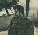 """Roman Czerwiński jako konstruktor samolotu PZL-105 """"Flaming"""", 1989 r. (Źródło: Skrzydlata Polska nr 13/1990)."""